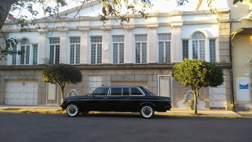 MERCEDES-LIMOUSINE-BARRIO-AMON-COSTA-RICA.jpg