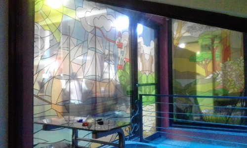 STAINED-GLASS-ART-CALL-CENTER-CENTRAL-AMERICA.jpg